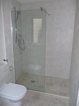 Glass bathroom installation